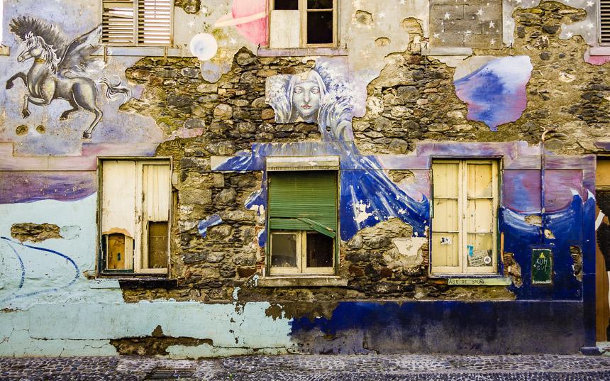 Graffiti bij Rua Santa Martha, Funchal, Madeira