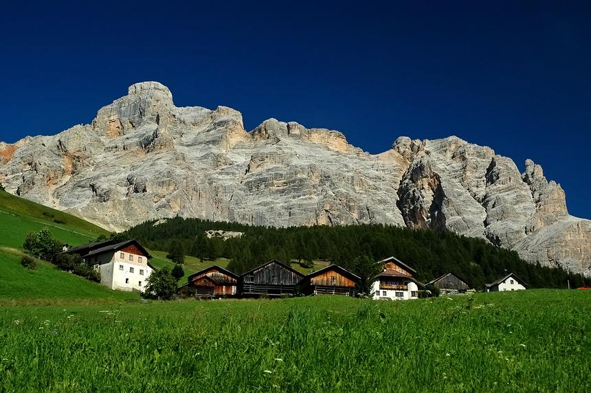 Bergdorpje in de Dolomieten