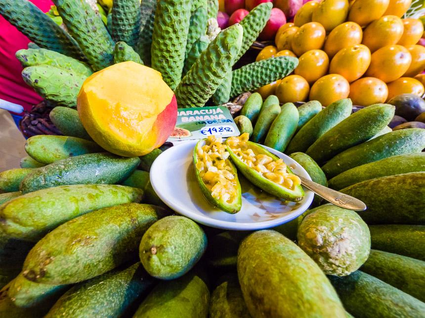 Heerlijke vruchten op de Lavradores markt, Funchal, Madeira