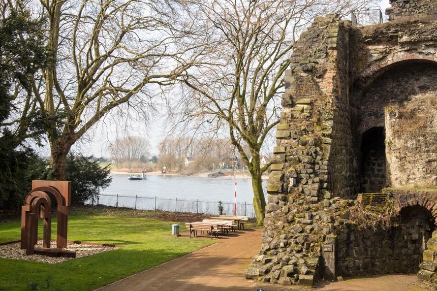 De ruïne van Kaiserswerth