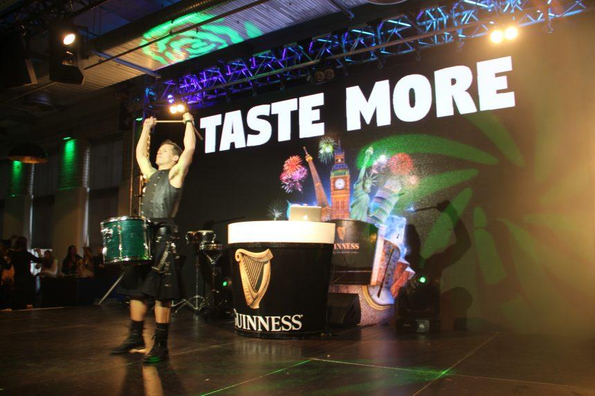 Ierse muziek en dans in het Guinness Storehouse in Dublin