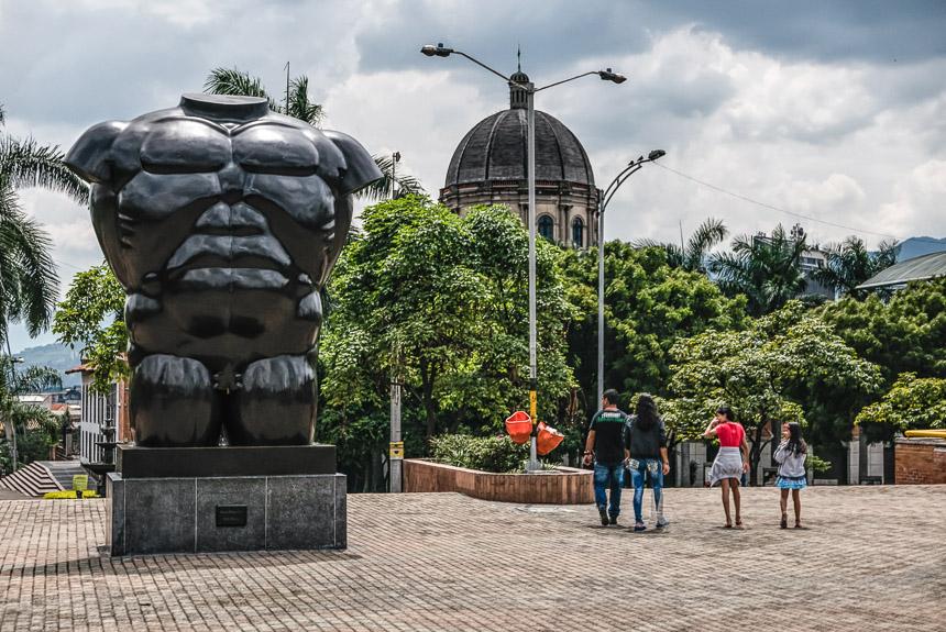 Medellín Plaza de San Antonio, torso de Mujer (La Gorda) de Fernando Botero