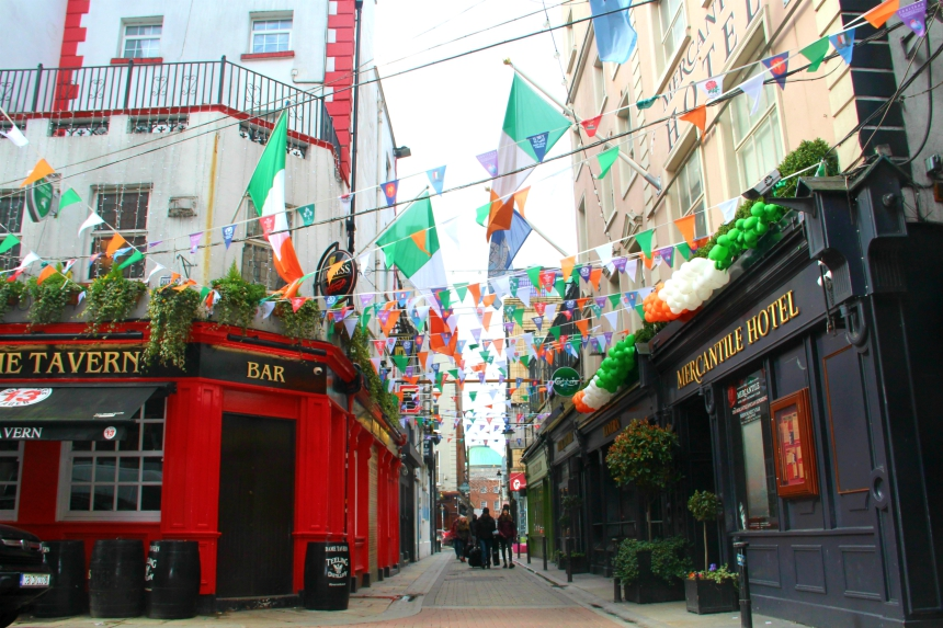 St. Patrick's Day vieren in Dublin in het bekende Temple Bar district