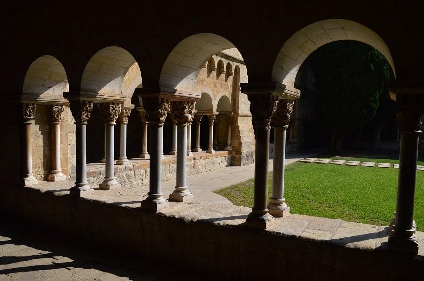 Het middeleeuwse klooster van Sant Cugat