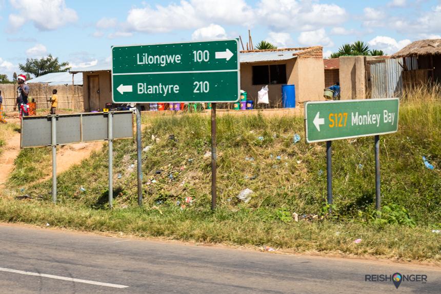 Bewegwijzering in Malawi is schaars, de afstanden binnen de landsgrenzen zijn niet enorm