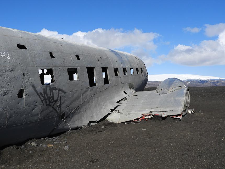 Vliegtuigwrak op Sólheimasandur Beach op IJsland