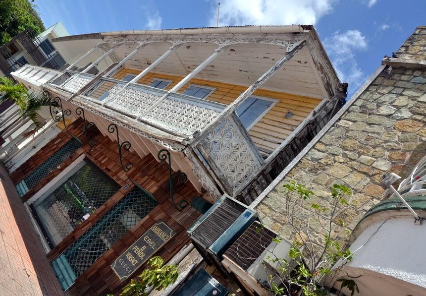 Huis op het marktplein van Marigot op Sint Maarten