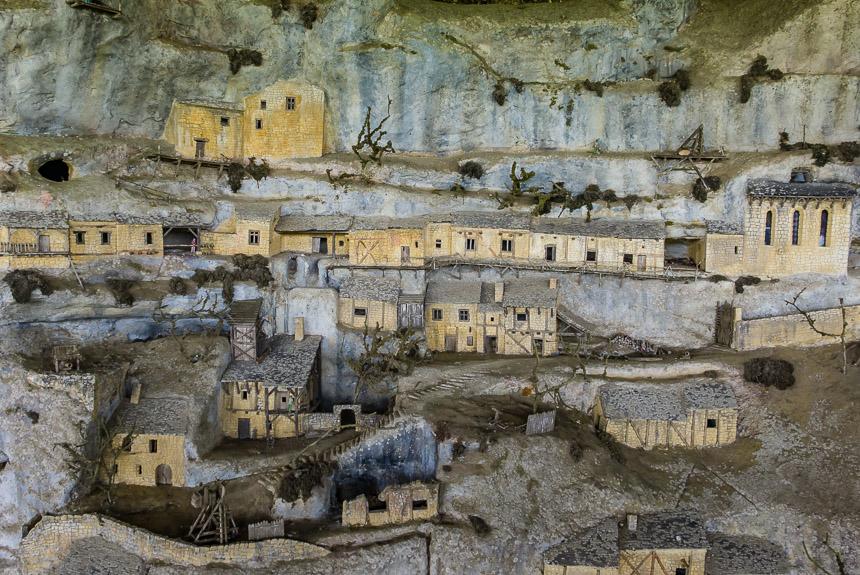 Een maquette van de rotsstad
