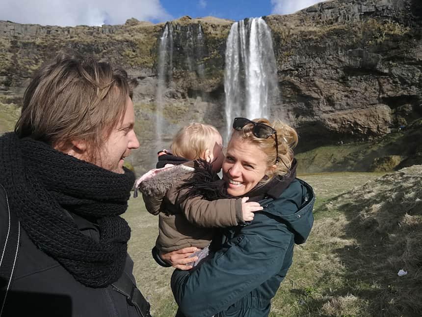 De Seljalandsfoss in IJsland