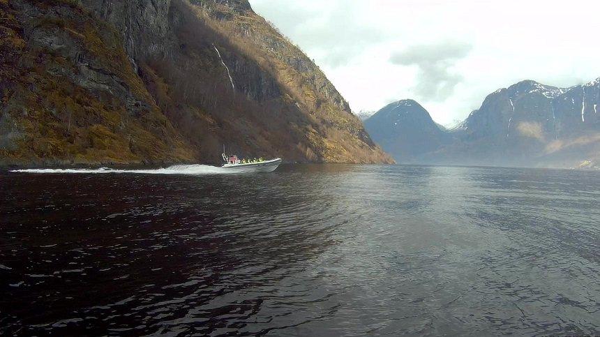 Met een RIB boot op Fjordsafari in Noorwegen