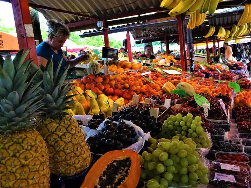 Groente- en fruitmarkt in Ljubljana