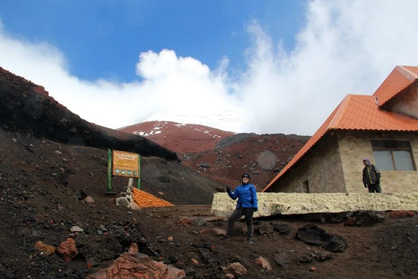 Wandelen naar de top van de vulkaan Cotopaxi in Ecuador