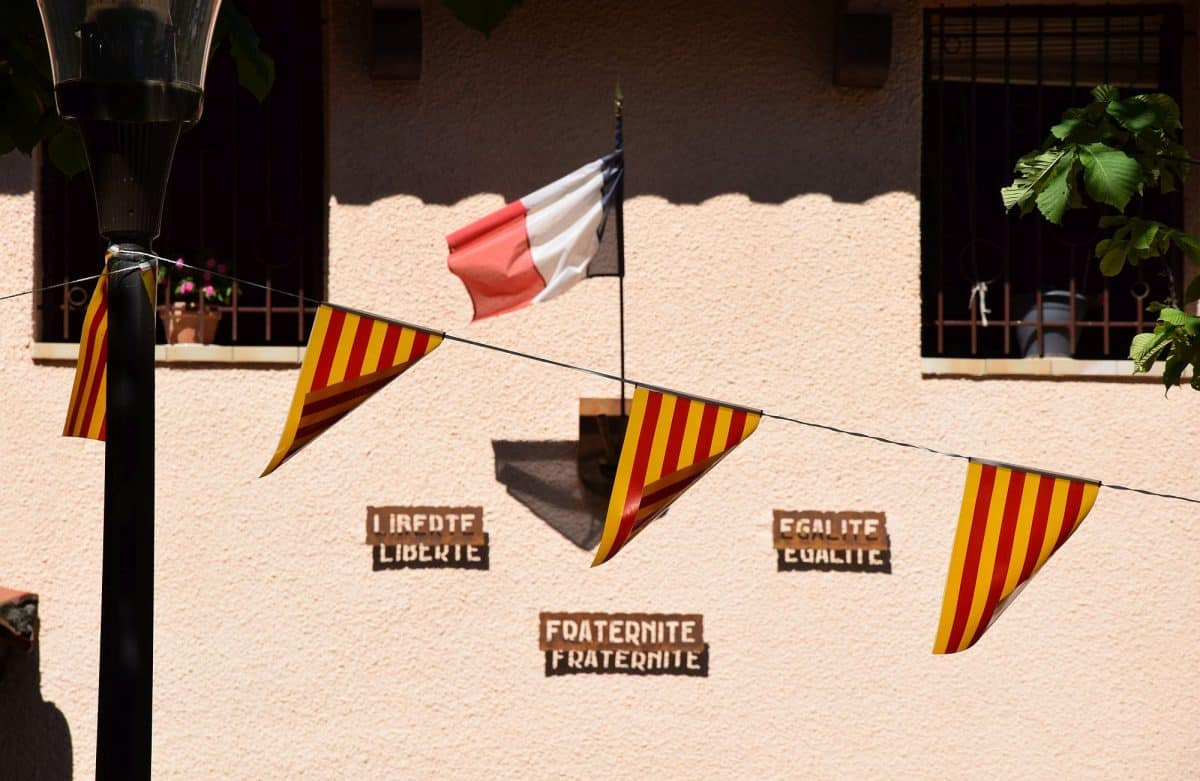 Pyrénées-Orientales: Frans én Catalaans