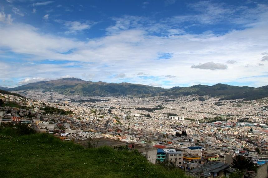 De avenue der vulkanen in Ecuador loopt van de hoofdstad Quito tot aan Cuenca dwars door het Andesgebergte