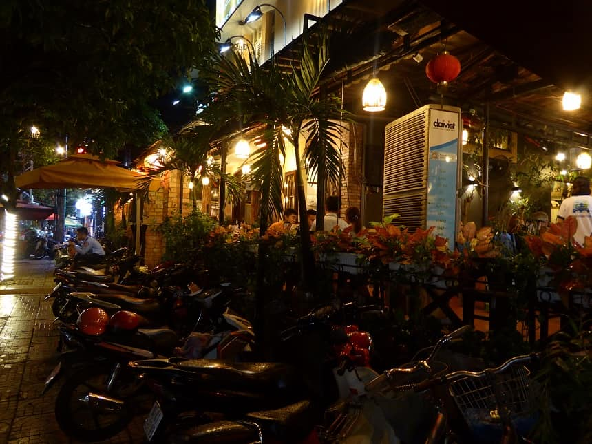 After Dark Foodie Tour door Ho Chi Minh City