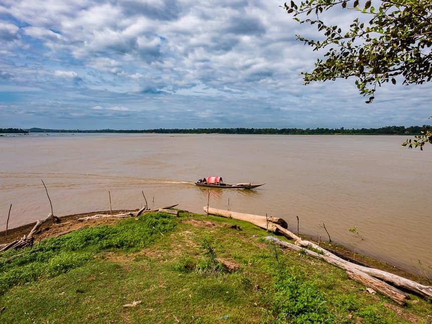 Twee rivieren: de Tonle San stroomt in de Mekong