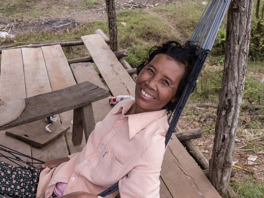 Stung Treng: vrouw in hangmat