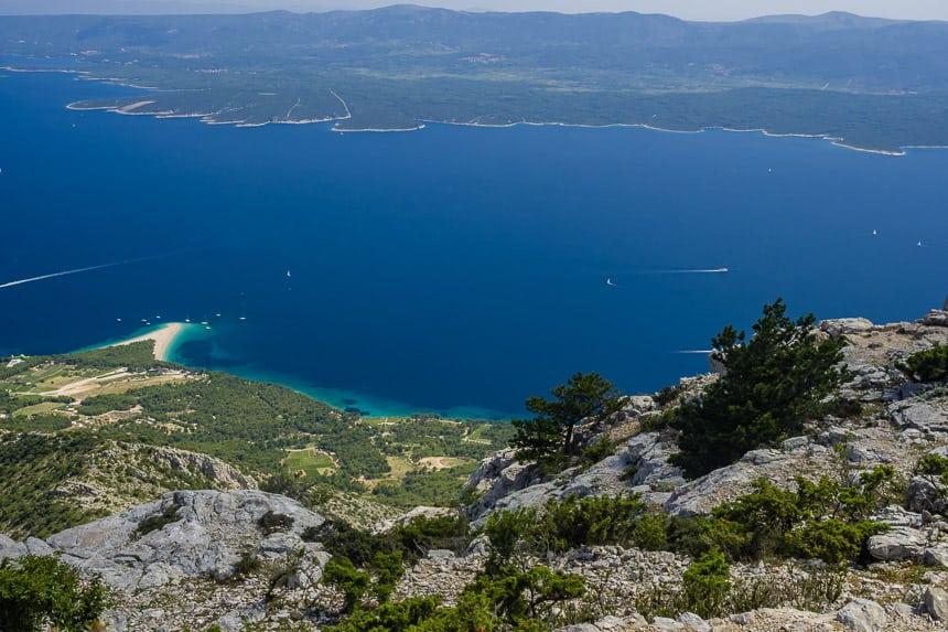 Zlatni Rat op Brac en het eiland Hvar vanaf Vidova Gora
