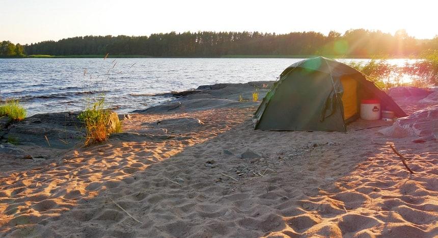 Wildkamperen in Värmland, midden-Zweden.