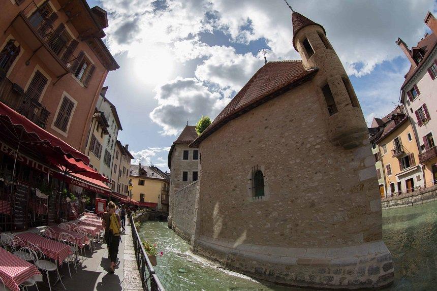 Annecy: cultuur opsnuiven is onvermijdelijk in een stad vol oude gebouwen