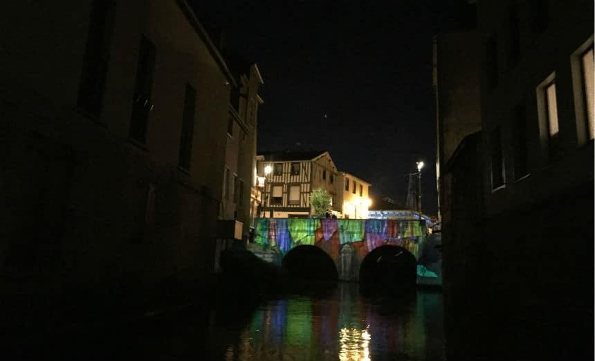 Lichtshow per boot in Chalôns-en-Champagne in Frankrijk