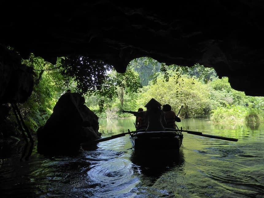 grotten trang an