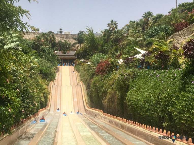 Glijbanen in het Siam Park in Tenerife