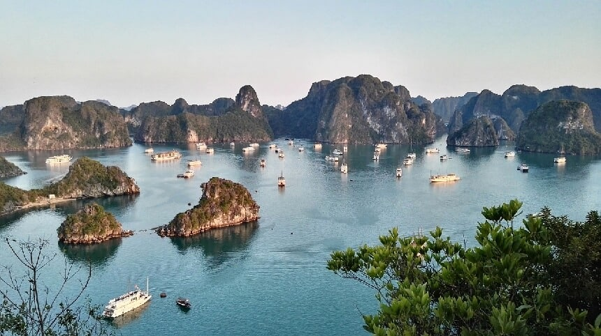 Bootjes in Halong Bay
