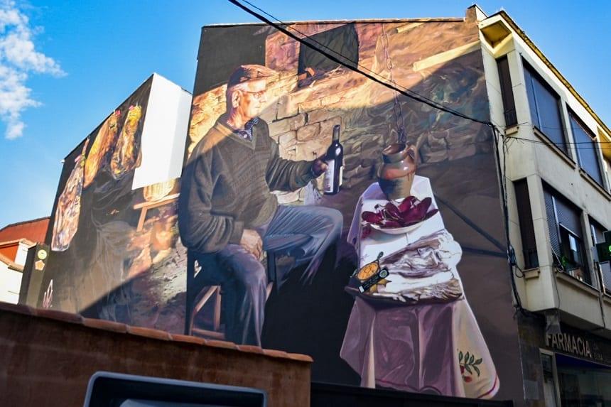 Kunst op een huis in Leon langs de Camino route