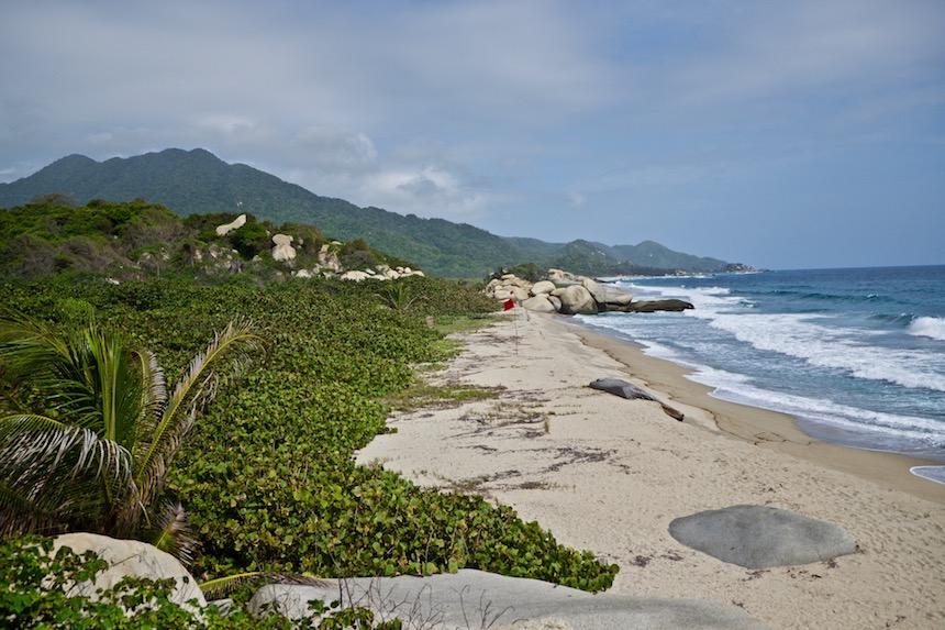 Het strand van Caribisch Colombia