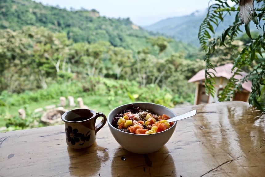 Ontbijt in Casas Viejas in Minca, Colombia