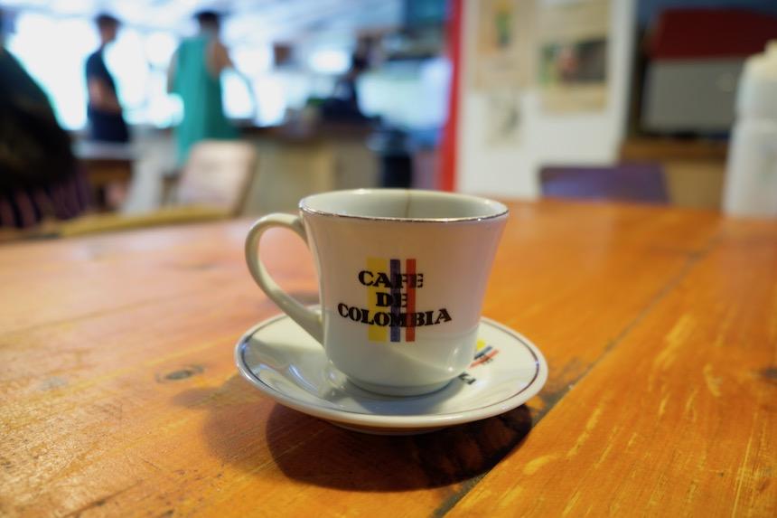Koffie op de coffeefarm Victoria in Minca, Colombia