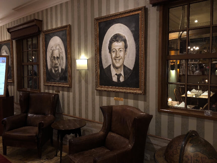 De gang naar restaurant Harbor Side in hotel Bell Rock in Europa-Park