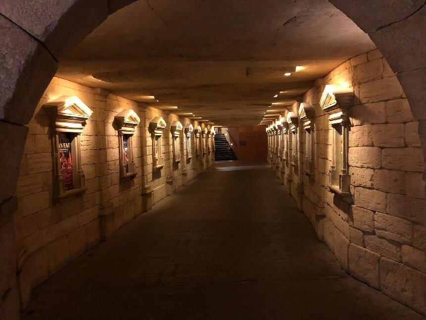 Tunnel tussen de hotels in Europa-Park