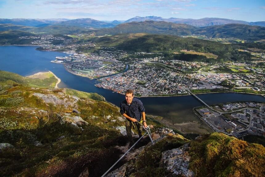 Via Ferrata naar de top van Øyfjellet met een wonderlijk uitzicht over Mosjøen.
