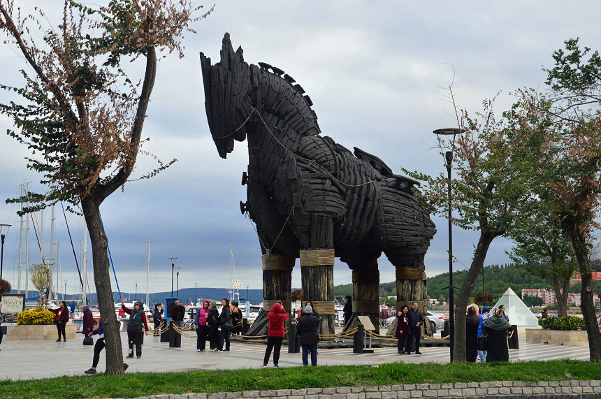 Het Paard van Troje op de boulevard van de stad Çanakkale