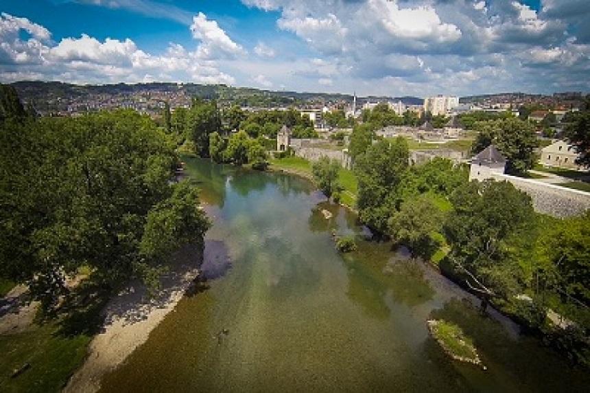De Vrbas rivier in Banja Luka