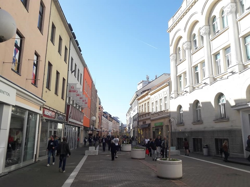 Eén van de gezellige winkelstraten in het centrum van Banja Luka