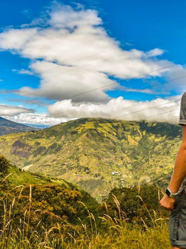 Uitzicht op de bergen van Baños in Ecuador