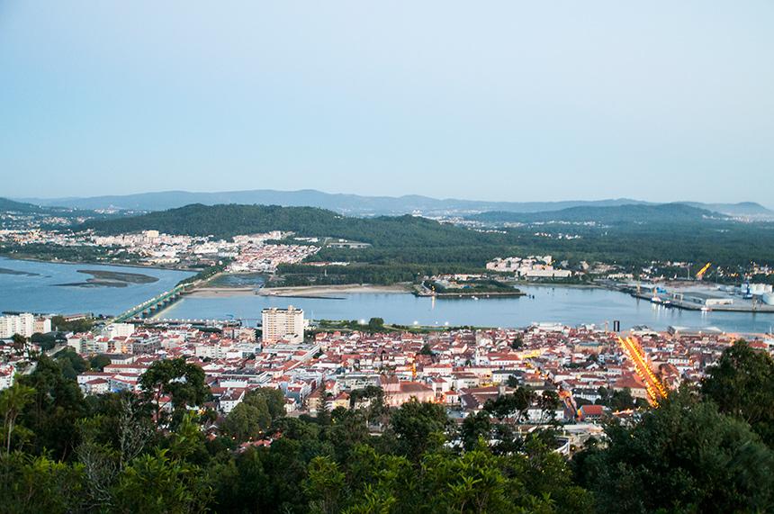 Uitzicht op Viana do Castelo in Portugal.