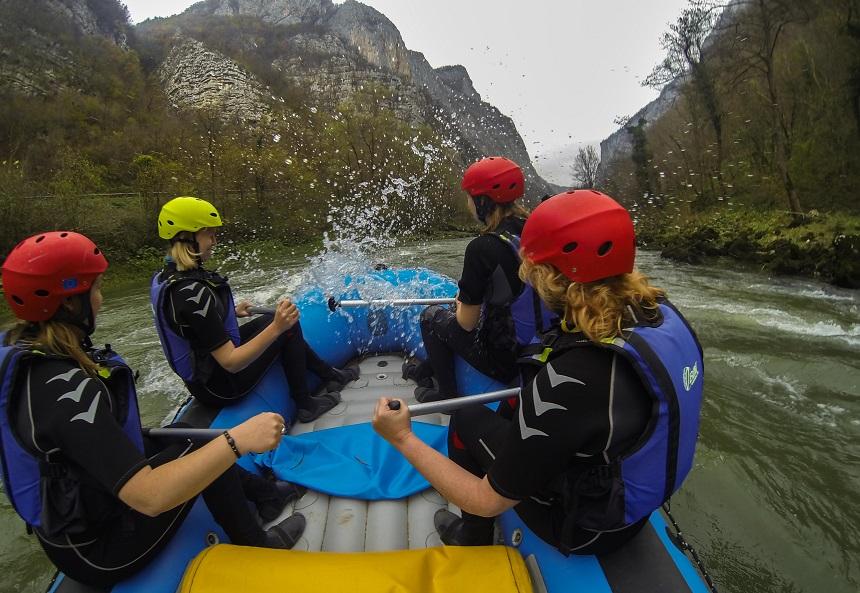 Raften op de Vrbas rivier