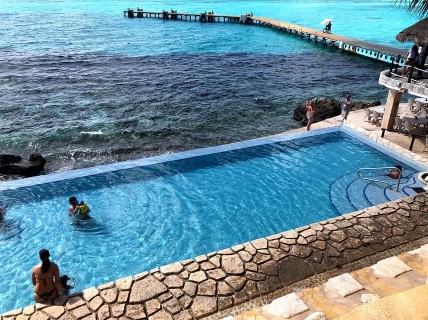 Infinity pool Garrafon Isla Mujeres