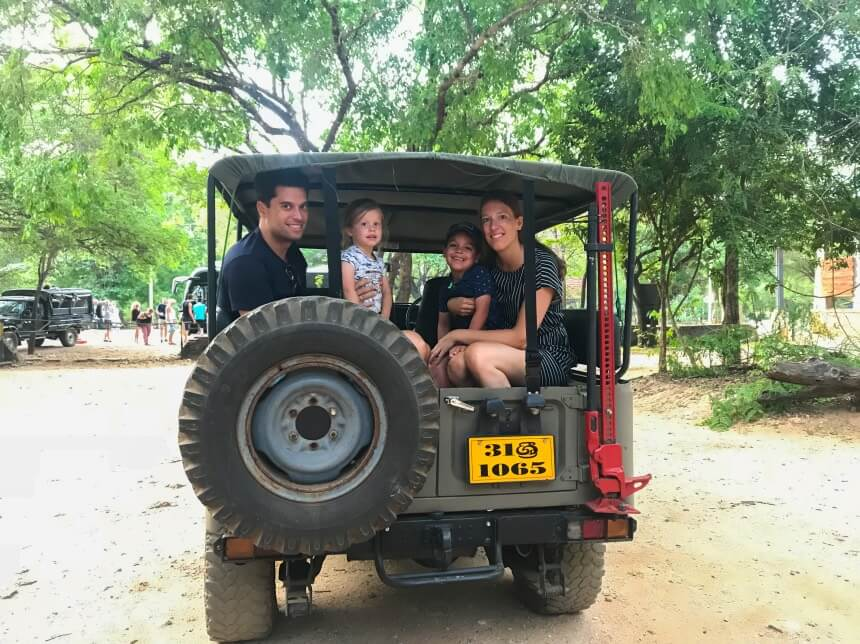 Jeepsafari Minneriya in Sri Lankda
