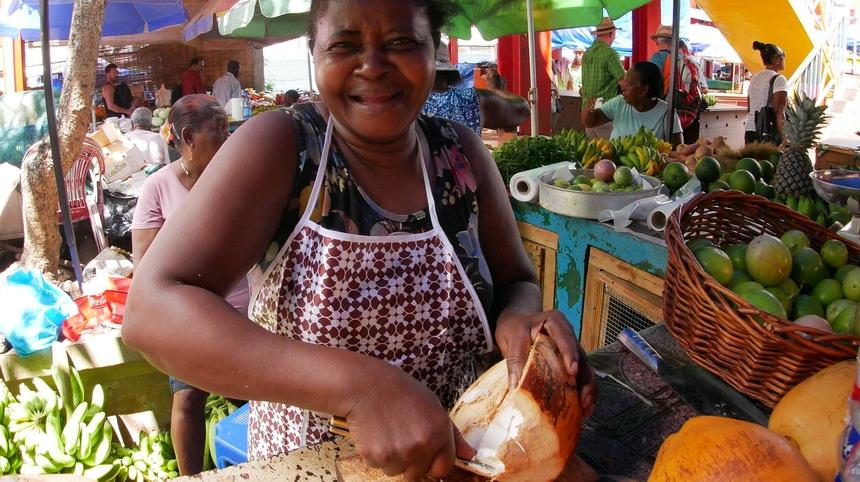 Op de Seychellen is het hard werken voor een schamel inkomen.