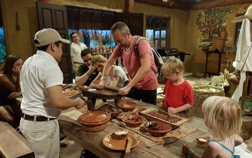Workshop chocolade maken in Xcaret Mexico