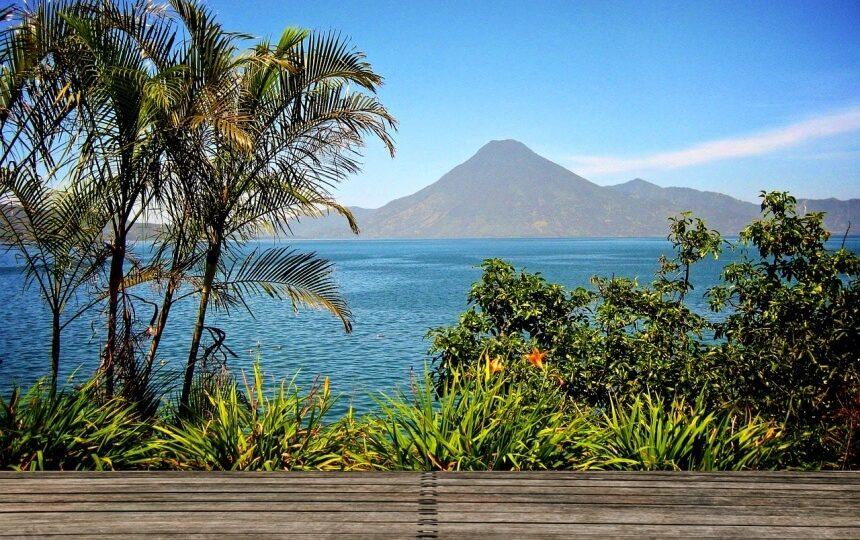 Lago de Atitlan in Guatemala
