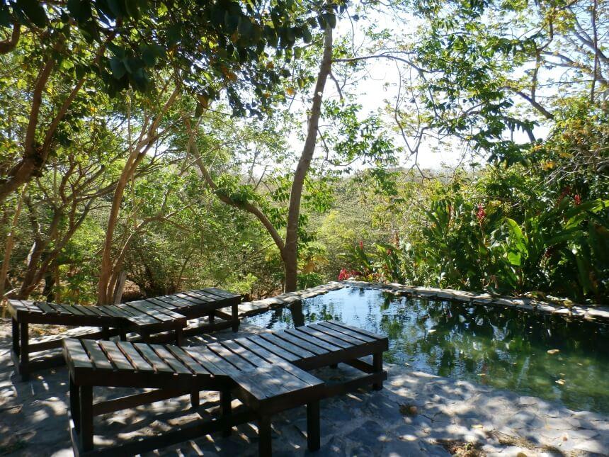 In Costa Rica kun je comfortabel rondreizen. Er zijn veel hotels, casa's en hacienda's met fijne 'chillplekjes'