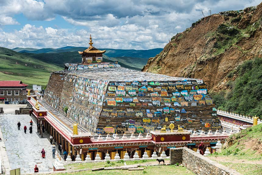 Stapel mani stenen in Tibet