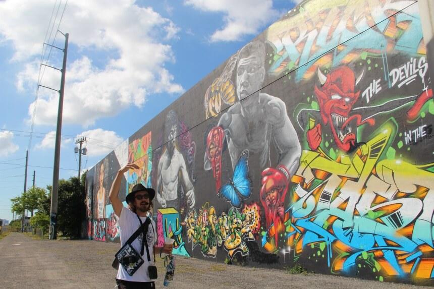 We gaan op pad met een street artist die zelf ook muurschilderingen in Wynwood heeft gemaakt