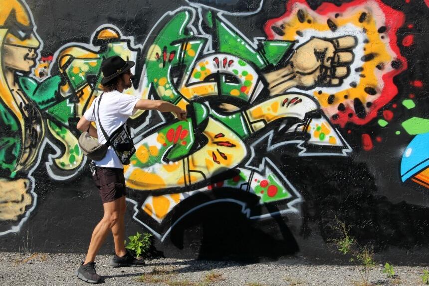 Ryan leert ons om graffiti te lezen